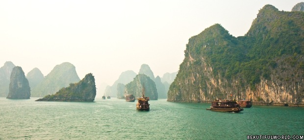 boats-in-ha-long-bay
