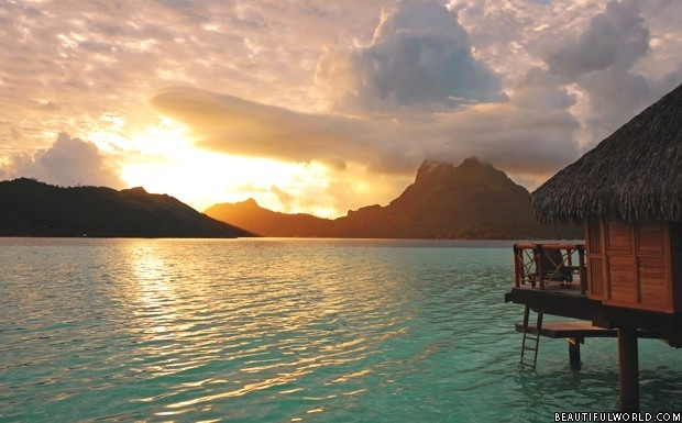 bora-bora-sunrise