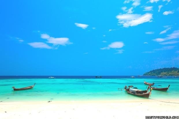 bundhaya-beach-thailand