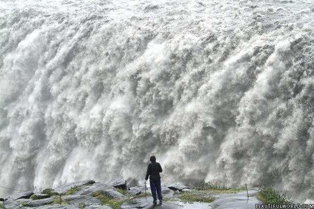 dettifoss-waterfall