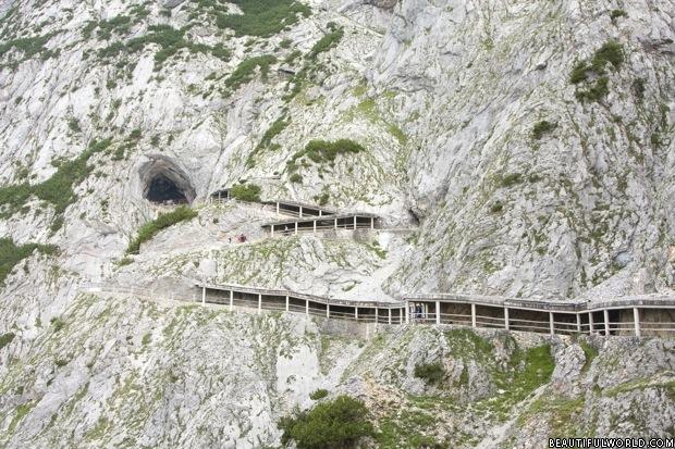 eisriesenwelt-cave-austria