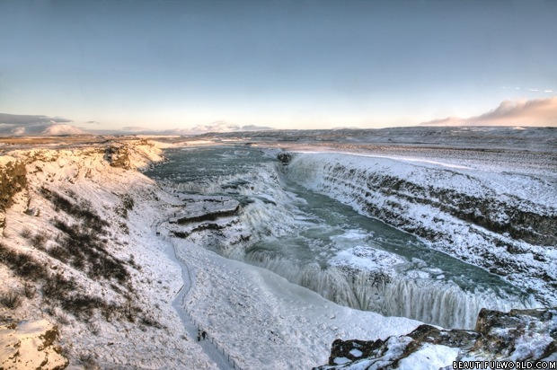 frozen-gullfoss-waterfall