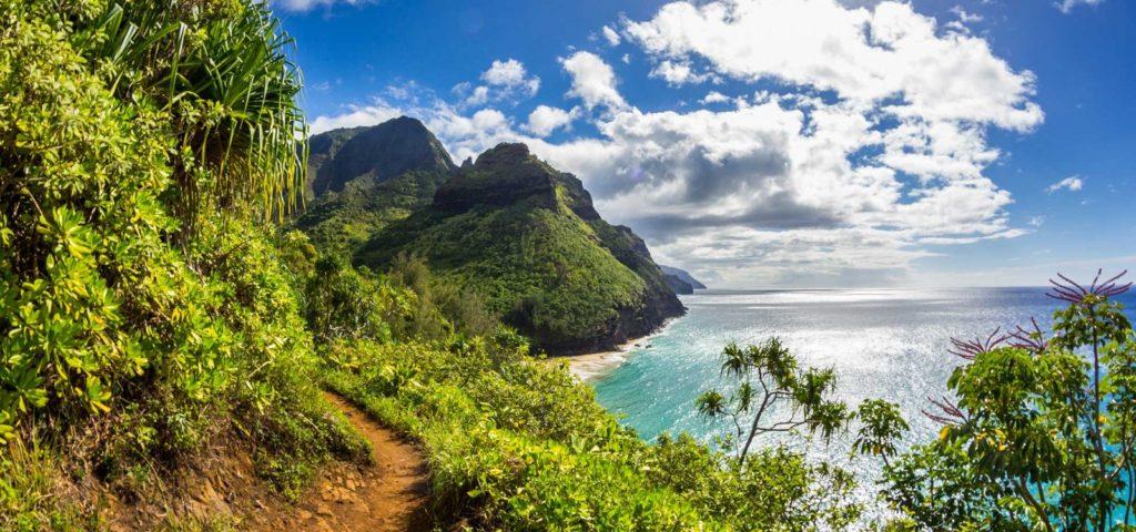 kalalau-trail-scene