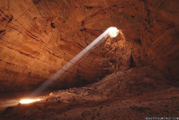 majlis-al-jinn-cave
