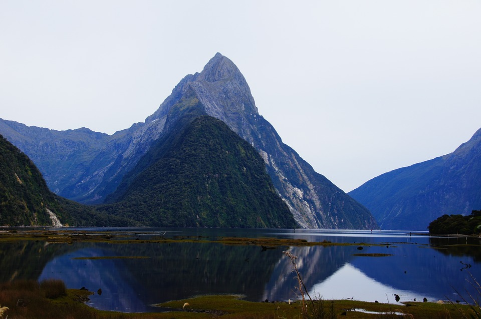 Milford sound geographical features