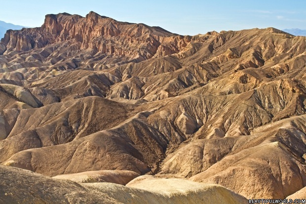 mountain-ridges-zabriskie-point