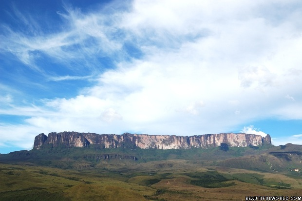 panorama-of-mount-roraima