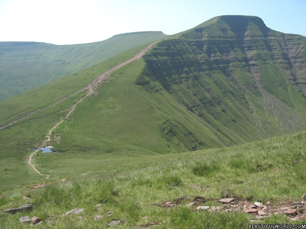 pen-y-fan-brecon-beacons