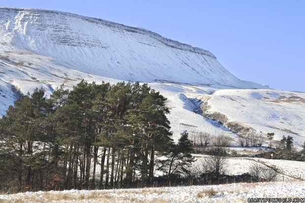 pen-y-fan-in-winter