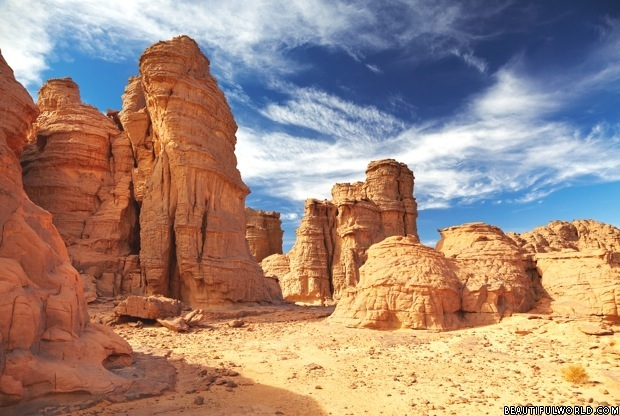 sandstone-cliffs-sahara-desert
