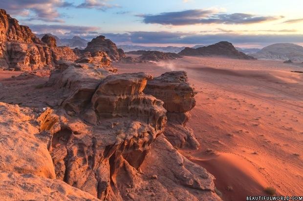 wadi-rum-desert-landscape