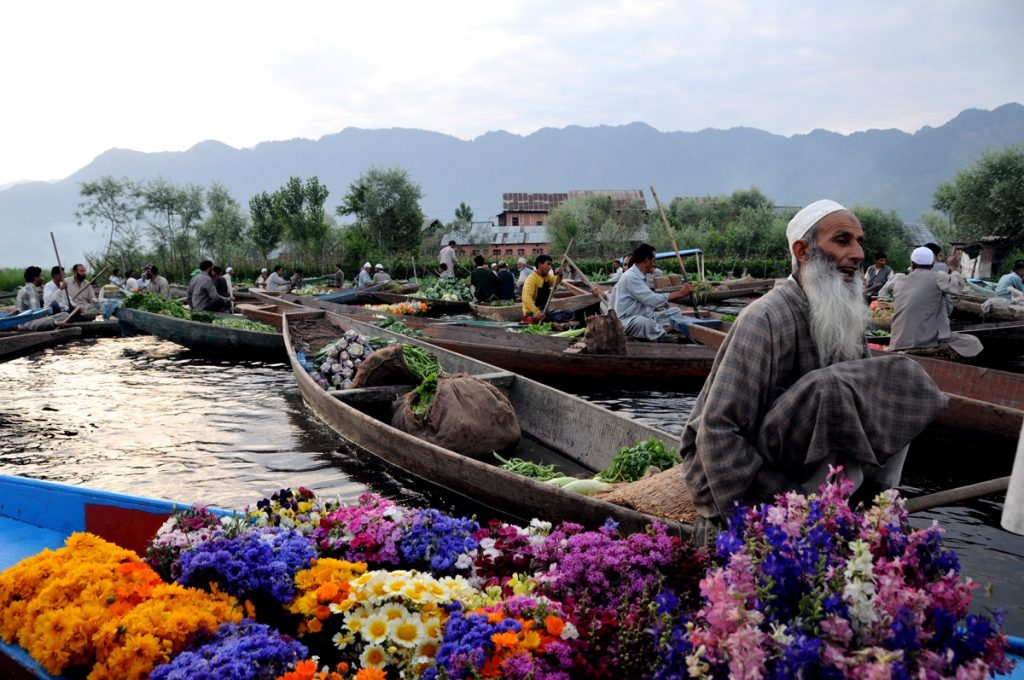 Dal Lake Floating Flower Market