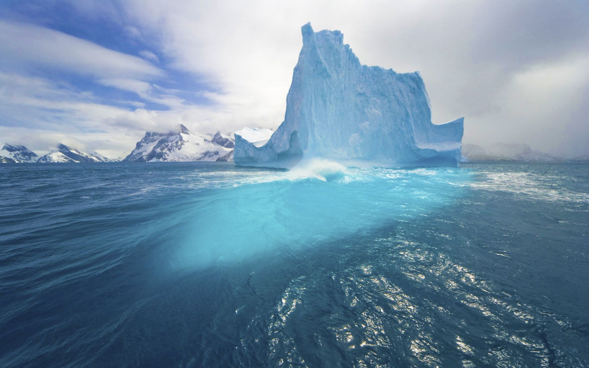 The Arctic Circle Facts & Information - Beautiful World Travel Guide