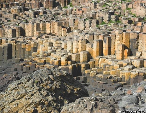 basalt-columns-giants-causeway