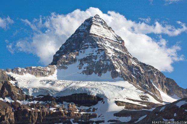 mount-assiniboine-peak