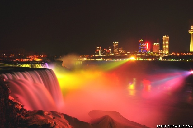 niagara-falls-light-show