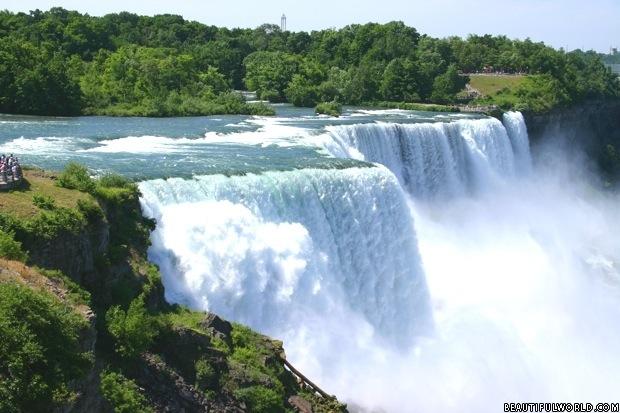 niagara-falls-summer