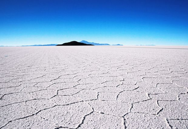 https://www.beautifulworld.com/wp-content/uploads/2016/10/salar-de-uyuni.jpg