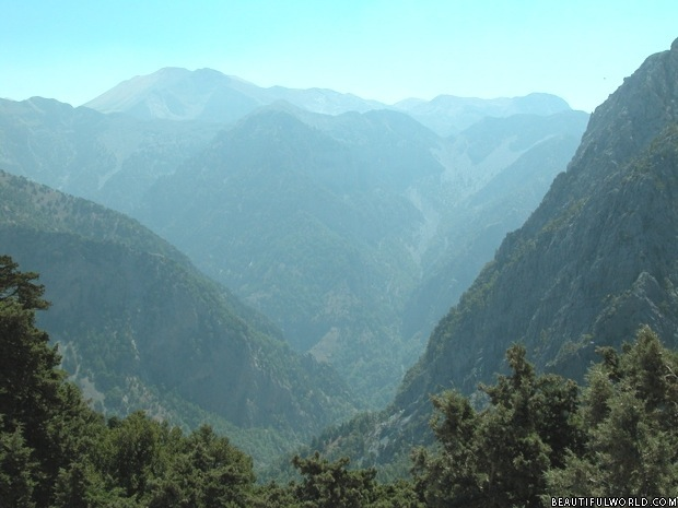 samaria-gorge-crete-greece