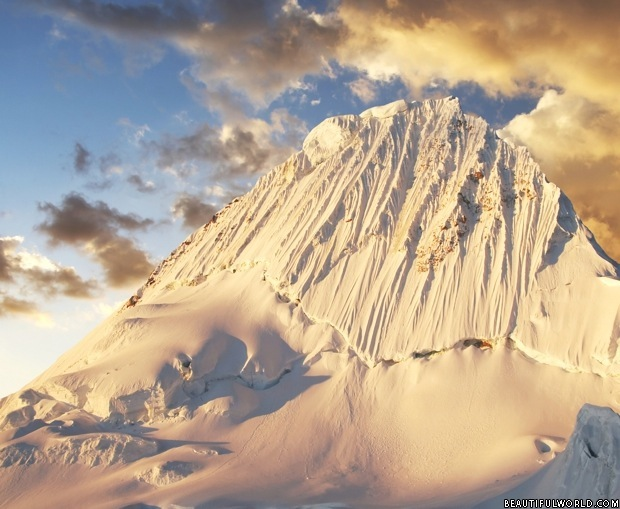 snow-covered-alpamayo-peak
