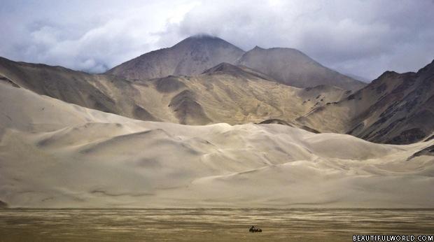 taklamakan-desert-china