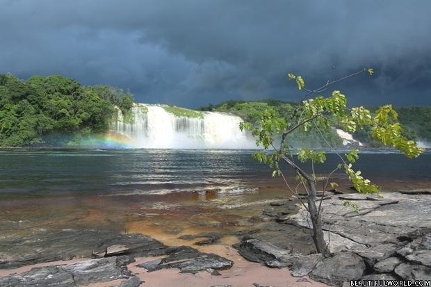 Hacha Waterfall